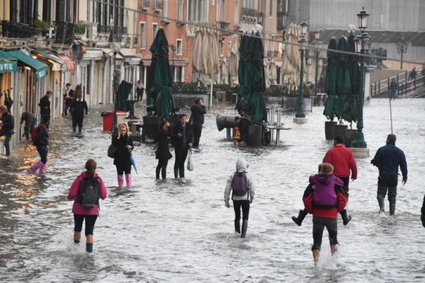 Venezia: basta passerelle elettorali, è tempo di agire!