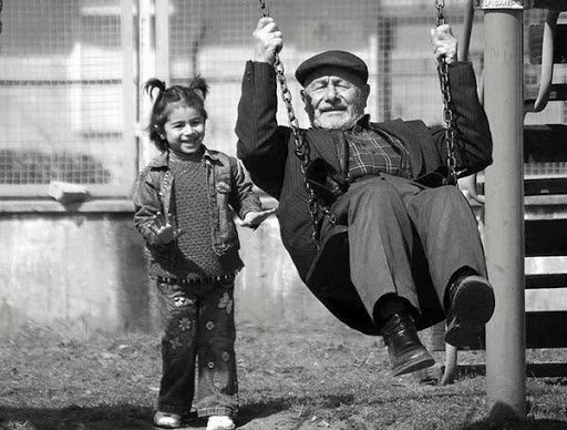 Il vecchio e la bambina